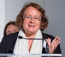 Isabelle CLÉMENT-NISSOU
