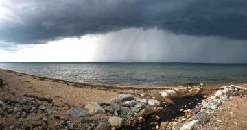 Changement climatique et lacs – La synthèse de données pour mieux comprendre les impacts des tempêtes sur la température des lacs